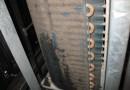 室外機洗浄前①(パッケージエアコン室外機熱交換器)