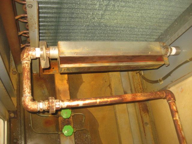 加湿装置整備前②(加湿配管清掃)