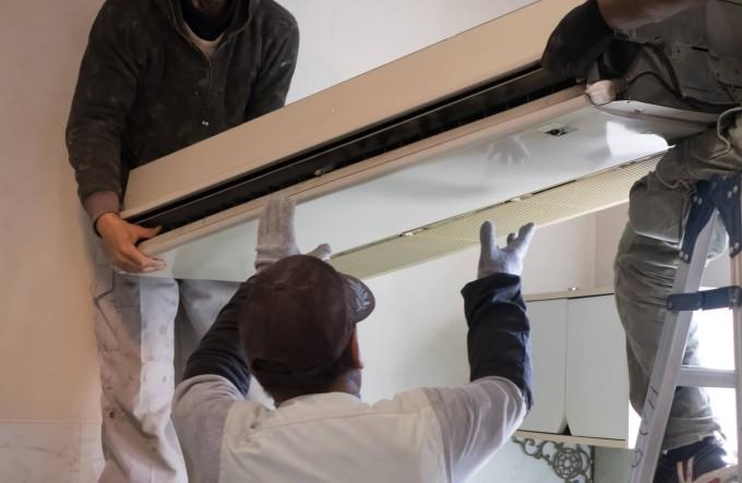業務用空調のメンテナンスや交換のタイミング